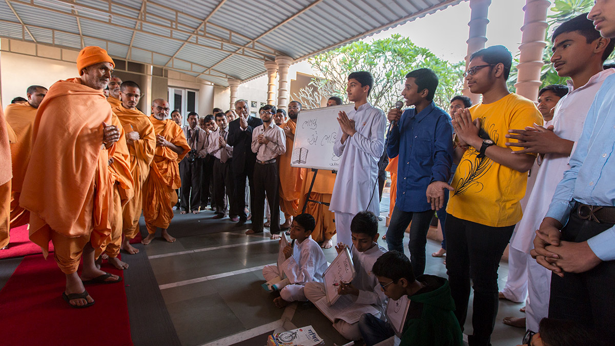 A skit presentation by youths before Param Pujya Mahant Swami Maharaj, 2 March 2017