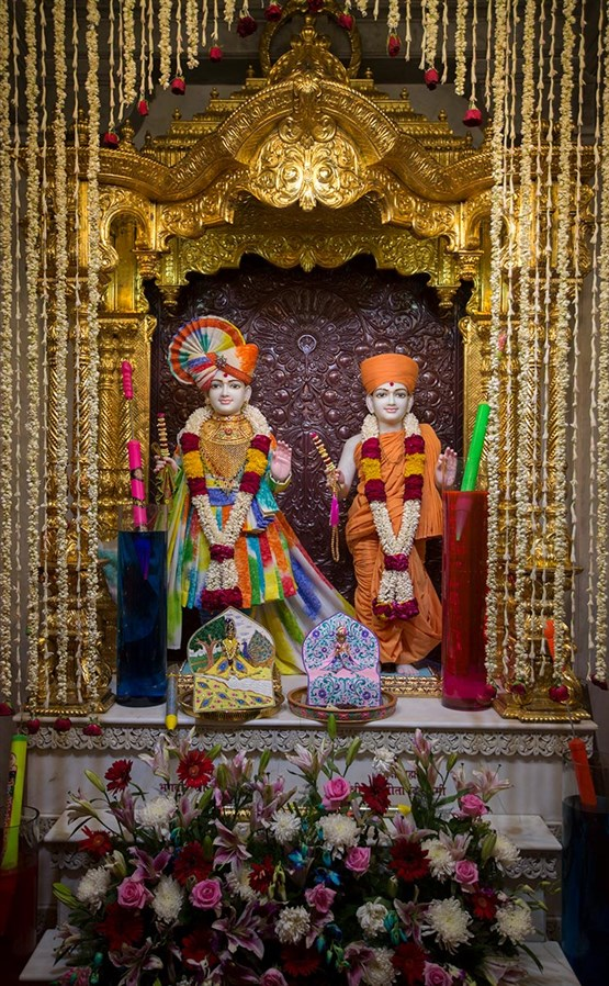 Bhagwan Swaminarayan and Aksharbrahman Gunatitanand Swami, 3 March 2017