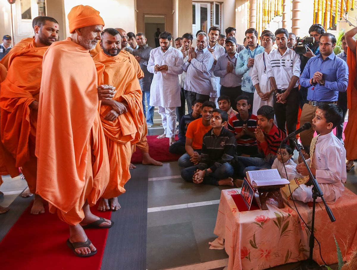 Children present a skit before Param Pujya Mahant Swami Maharaj, 3 March 2017