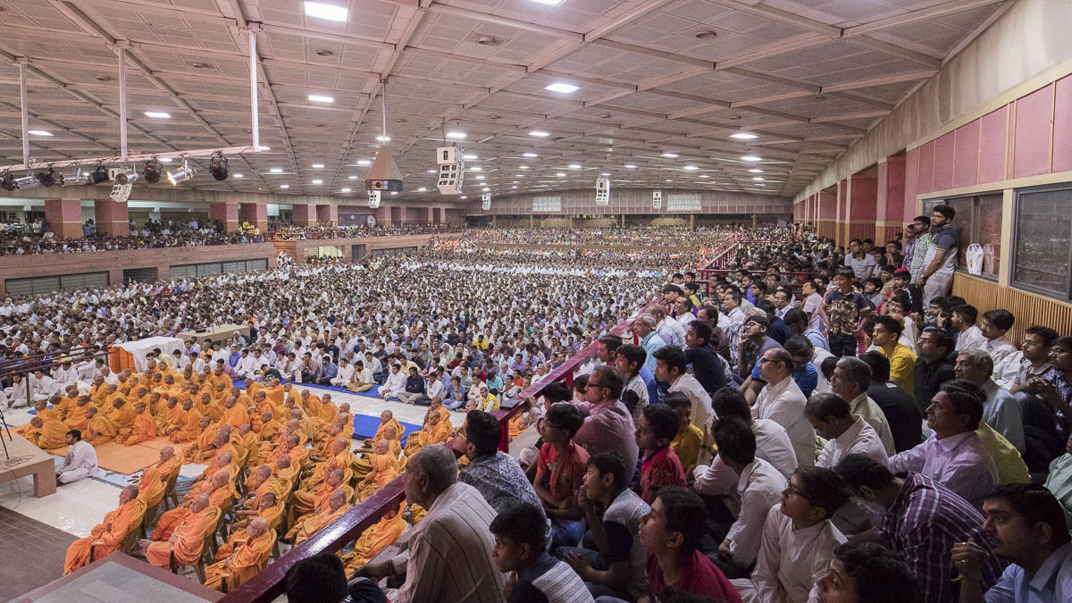 Sadhus and devotees during the assembly, 15 Mar 2017