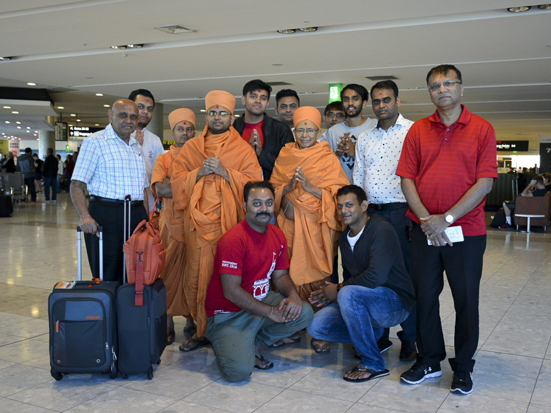 Pujya Tyagvallabh Swami Maharaj departs from Christchurch