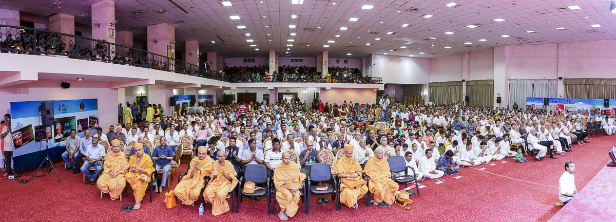 Sadhus and devotees during the assembly, 9 Apr 2017
