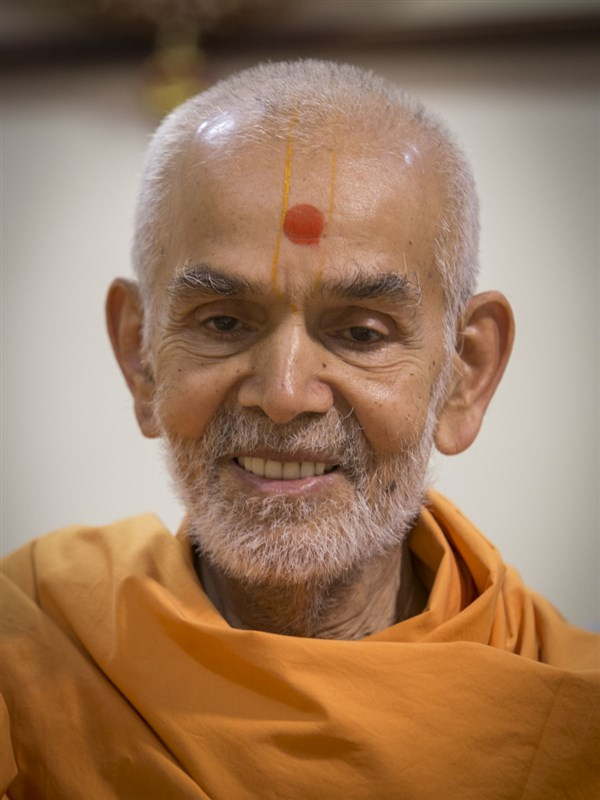 Swamishri in a divine, jovial mood, 2 May 2017