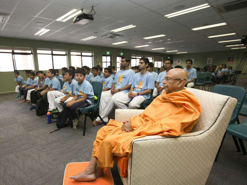 Pujya Tyagvallabh Swami during the shibir