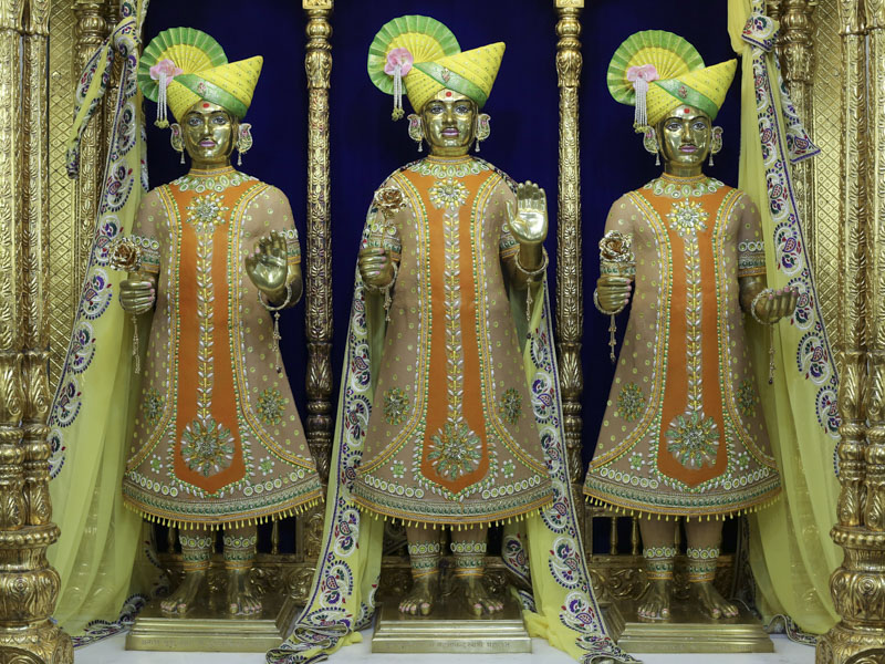 Chandan Adornments 2017, Atladra (Vadodara)