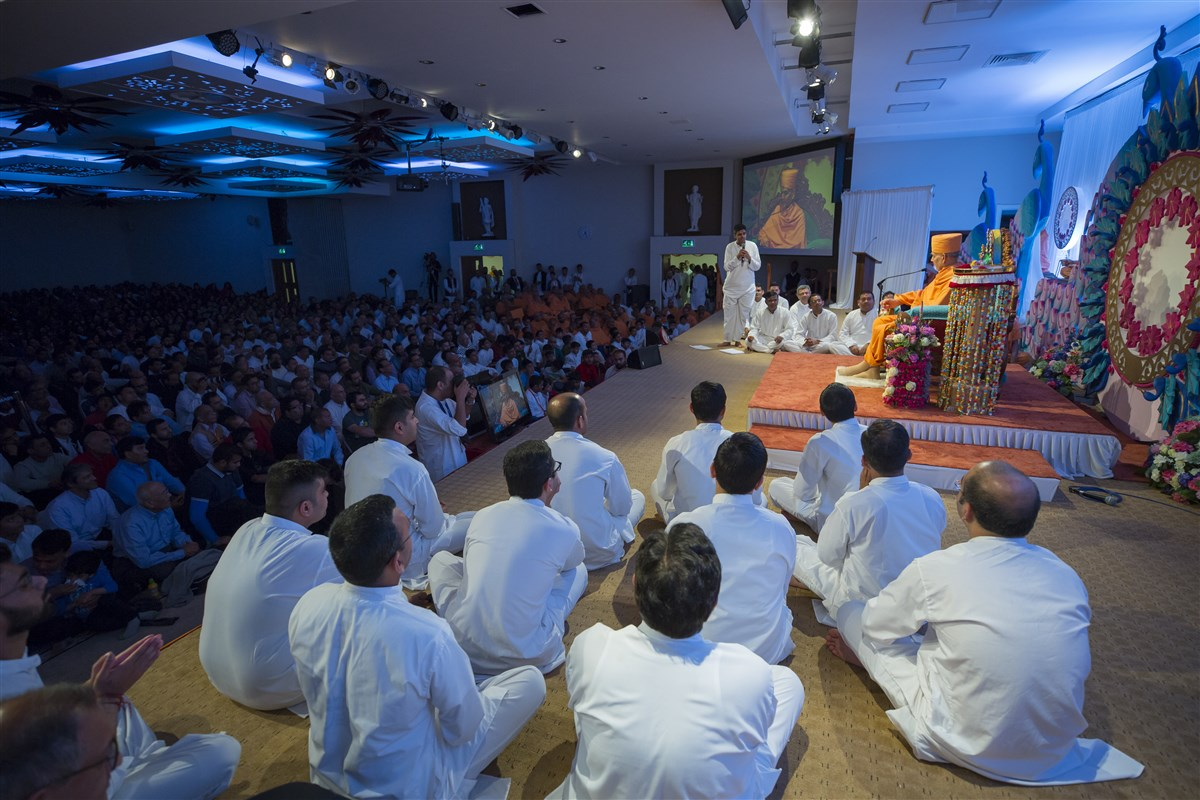 Devotees continue to probe with their questions...