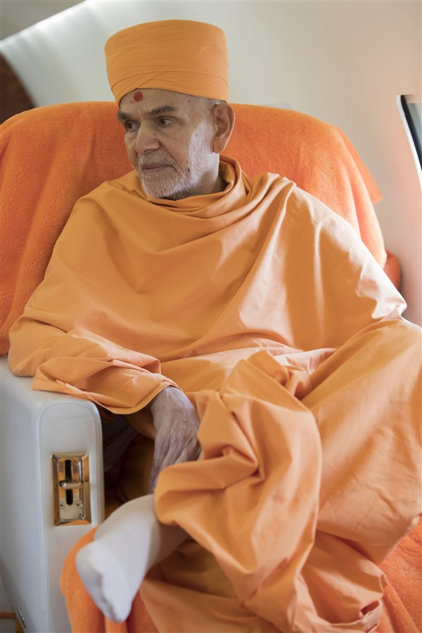 Param Pujya Mahant Swami Maharaj on his way from Leicester to Paris