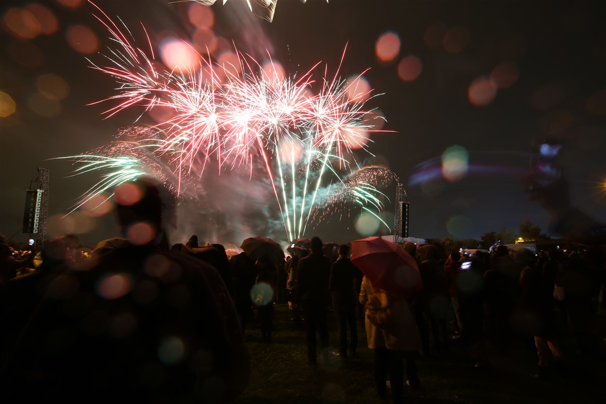 Thousands gather in Gibbons Park, opposite the Mandir, to enjoy the fireworks display