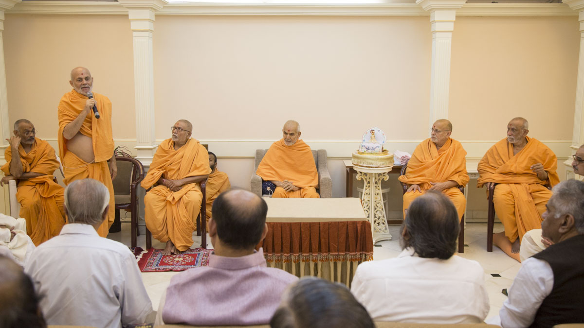 Scholars meet with HH Mahant Swami Maharaj and senior swamis
