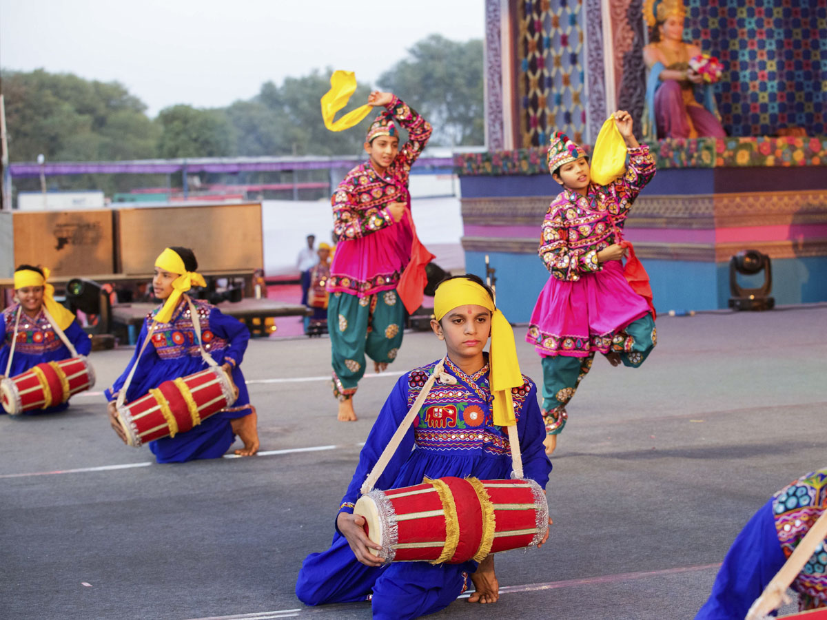 Children perform a cultural dance