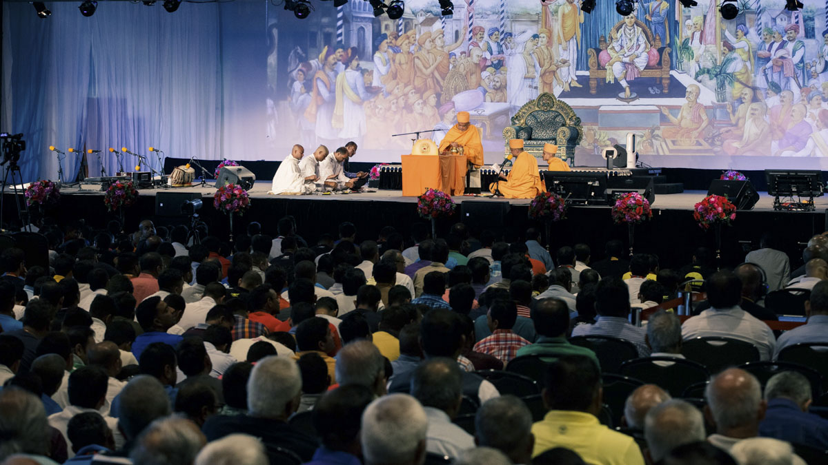 Devotees during the diksha mahapuja rituals