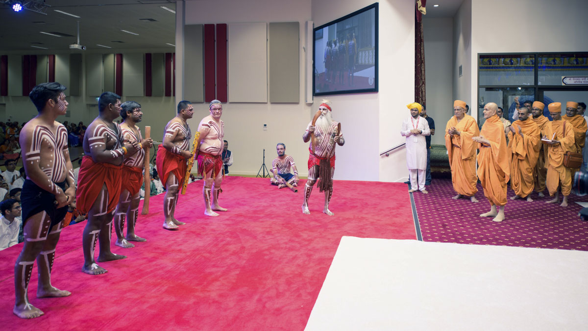 Indigenous Australians welcome Swami to Adelaide