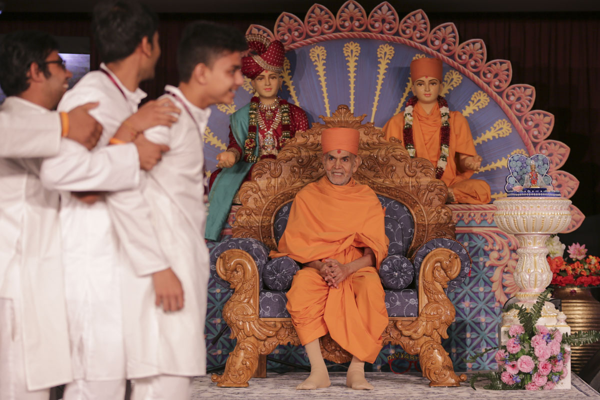 Swamishri during the session