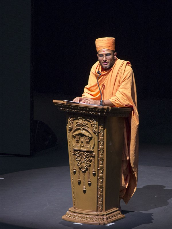 Anirdesh Swami addresses the assembly