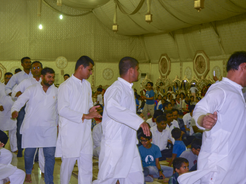 Devotees participates in the shibir