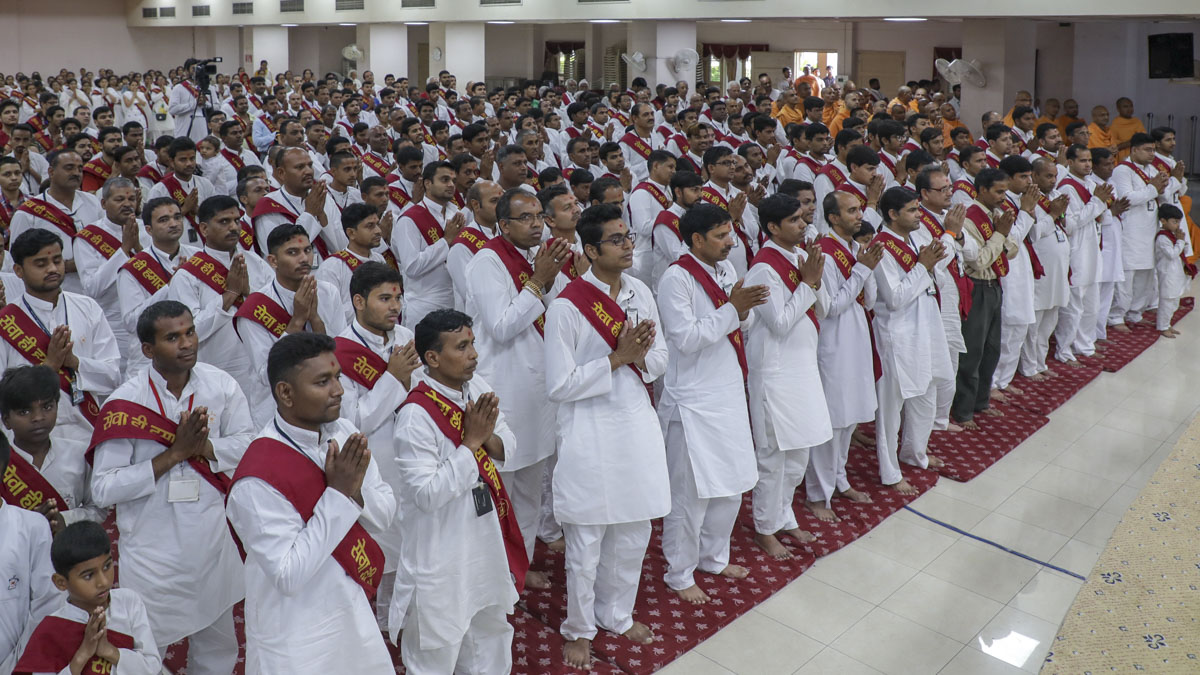 Volunteers during a shibir session