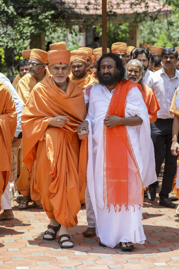 Sri Sri Ravi Shankar and Swamishri
