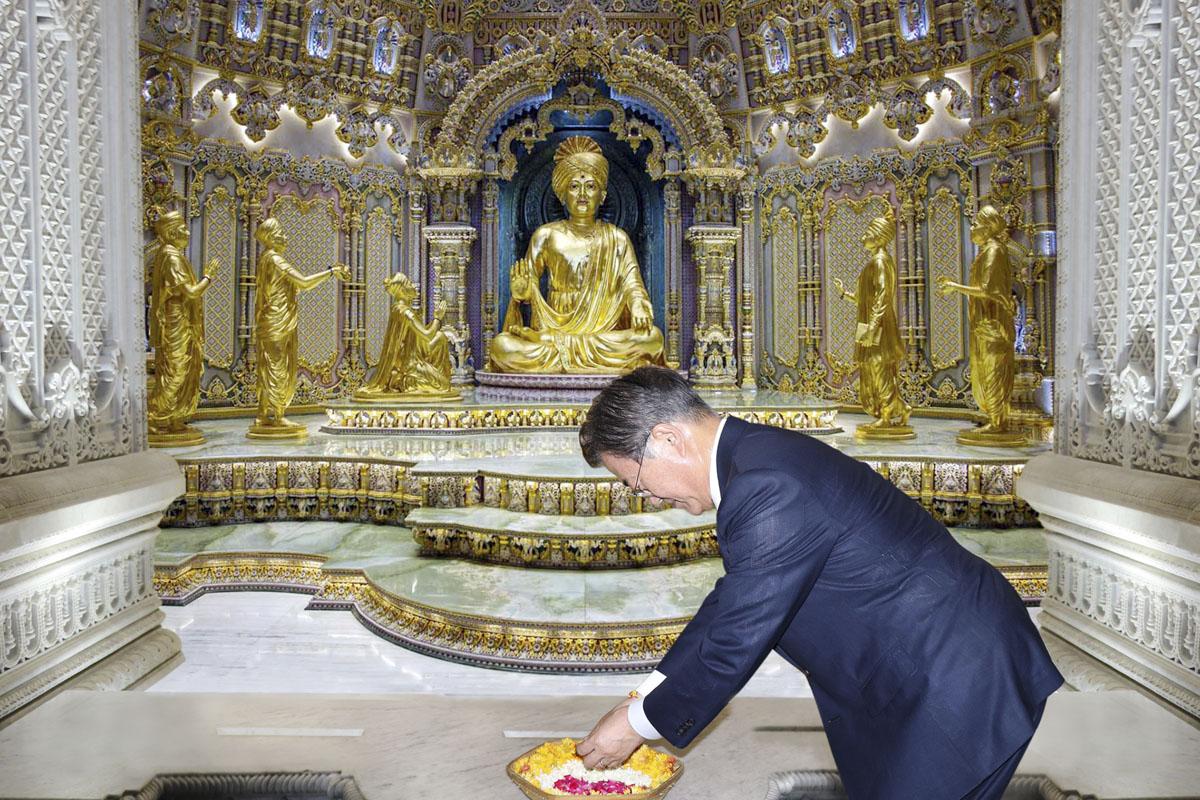 South Korean President Moon Jae-in Starts Trip to India ...