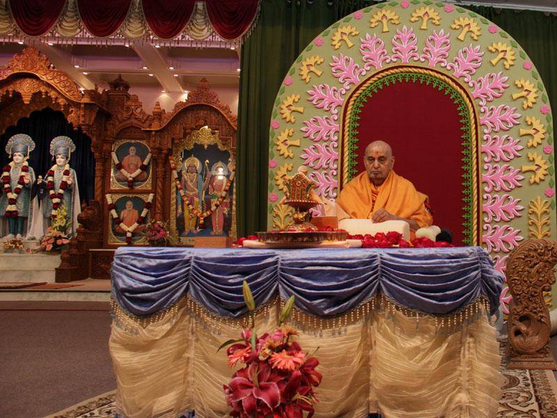 ... chants the Swaminarayan mantra