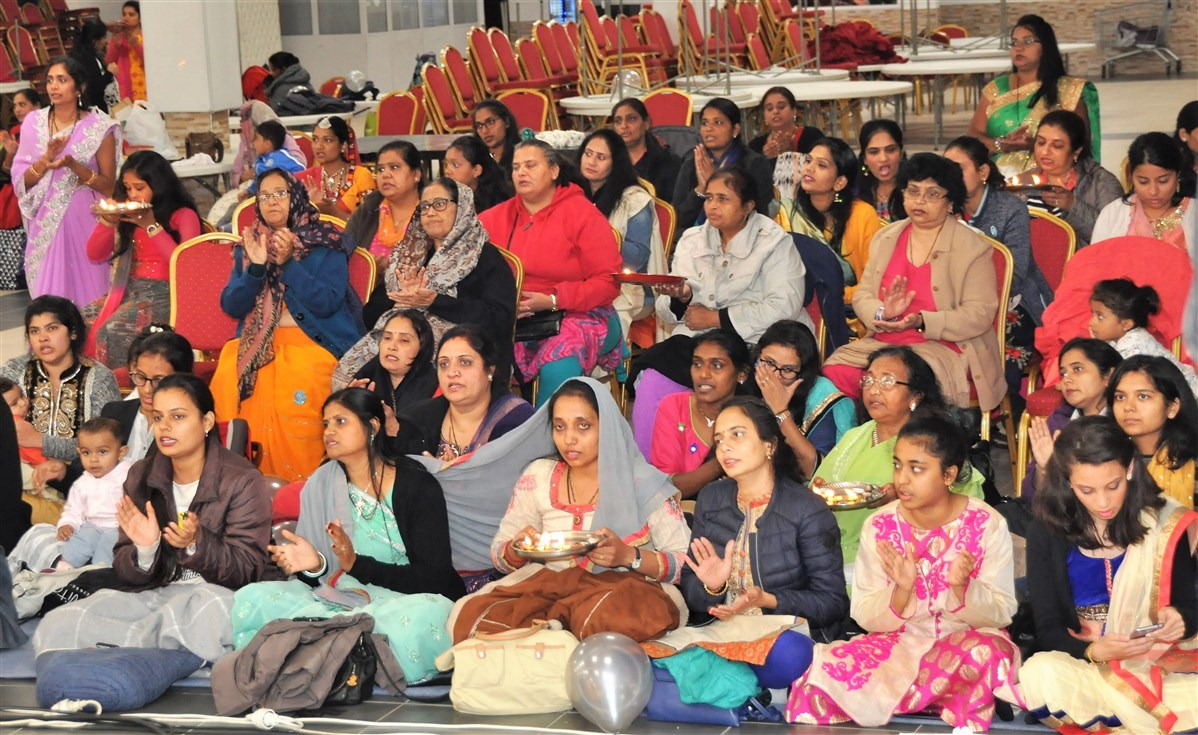 Mahant Swami Maharaj Janma Jayanti Mahila Celebrations, Paris, France