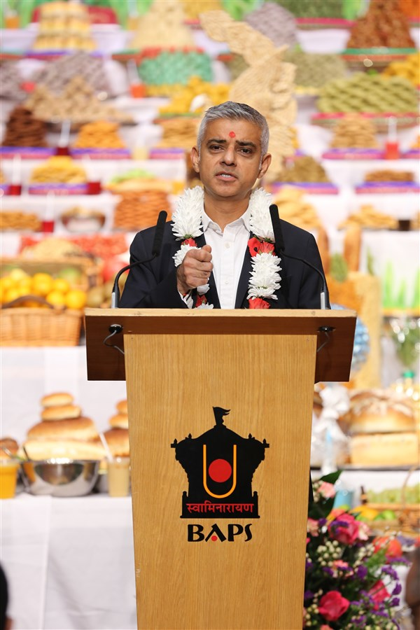 Mr Khan especially praised and thanked the Hindus of London for their valuable contributions to the capital