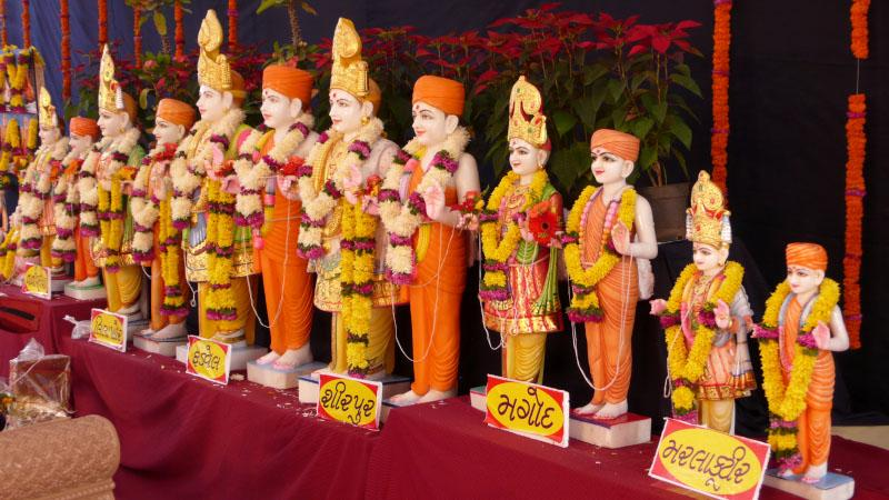 Murtis to be consecrated in various mandirs
