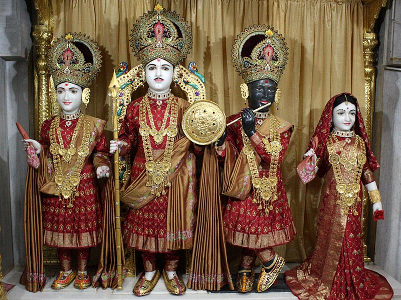 Shri Varninath and Shri Gopinath Dev