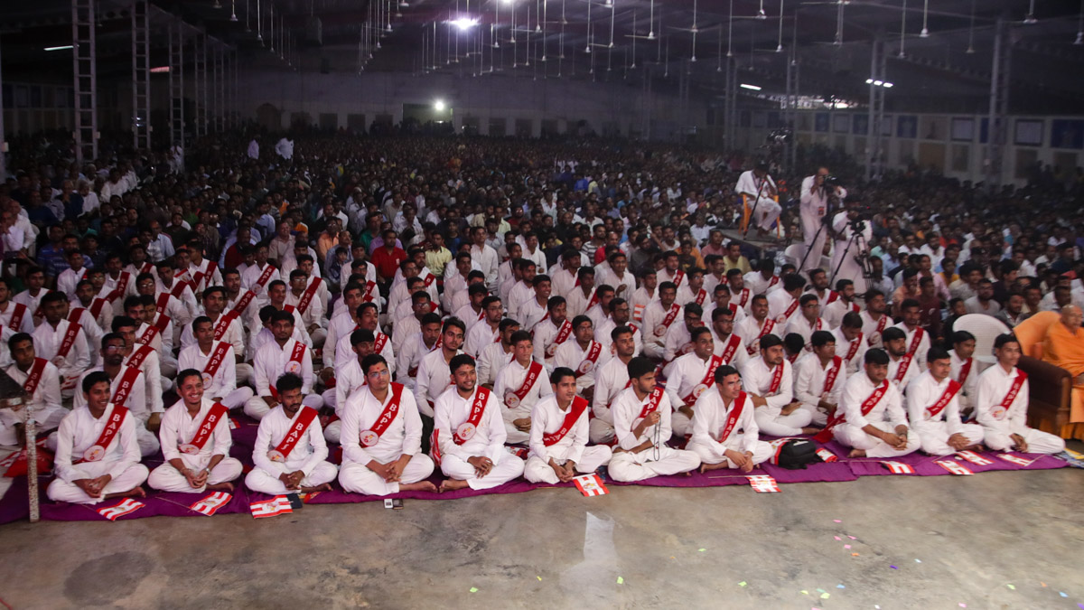 YTK youths and devotees during the assembly