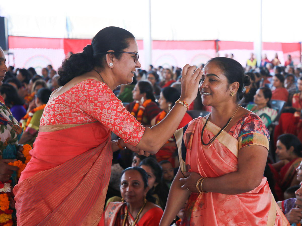 Mothers of sadhus are honored
