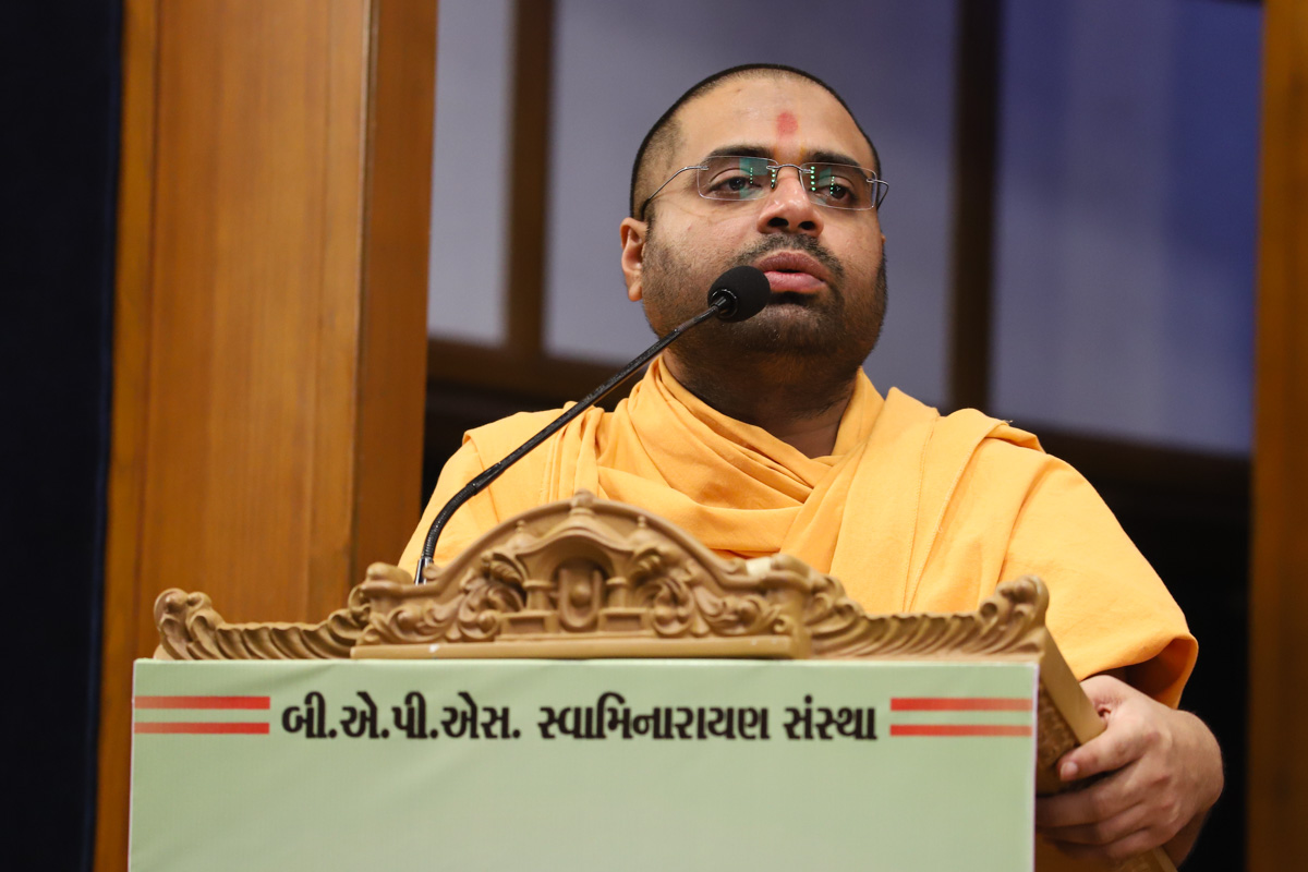 Aksharcharit Swami addresses the assembly