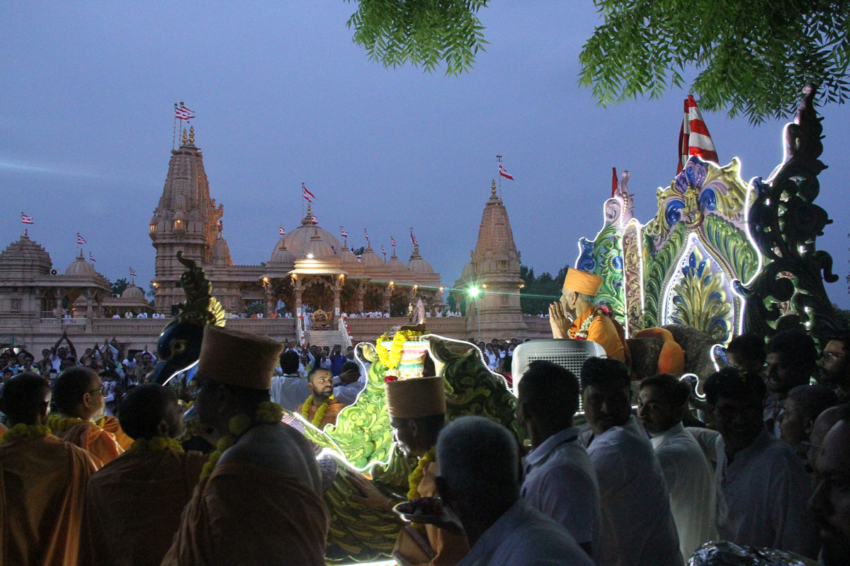 Rathyatra procession in the mandir grounds