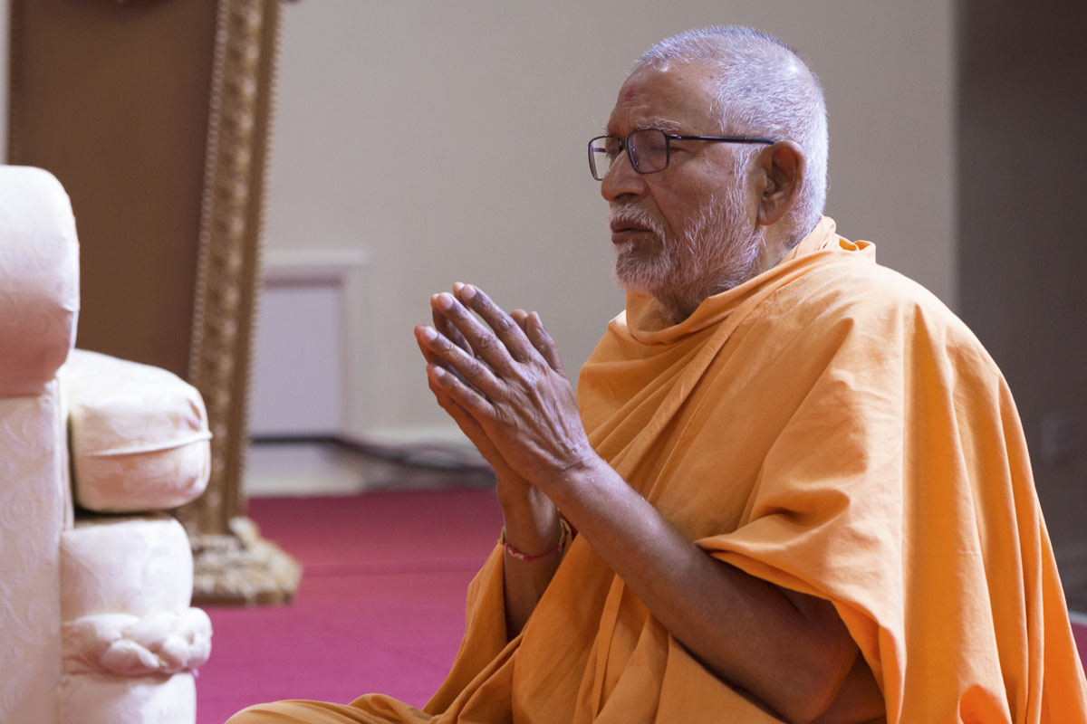 Pujya Kothari Swami during the ashtaks