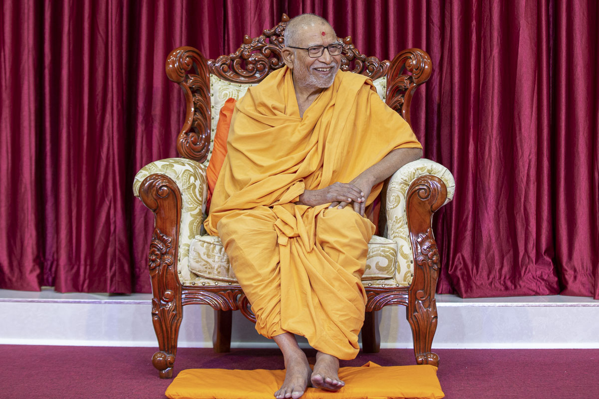 Pujya Kothari Swami during the assembly