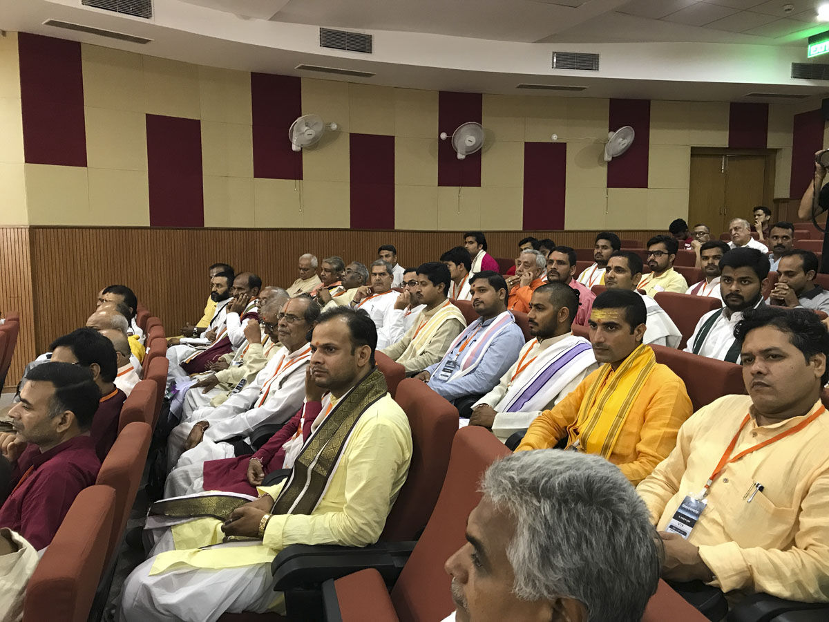 Pandits of Kashi in the assembly