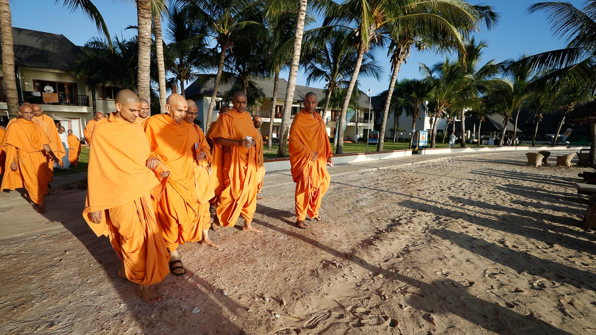 Swamishri on the shores of the Indian Ocean