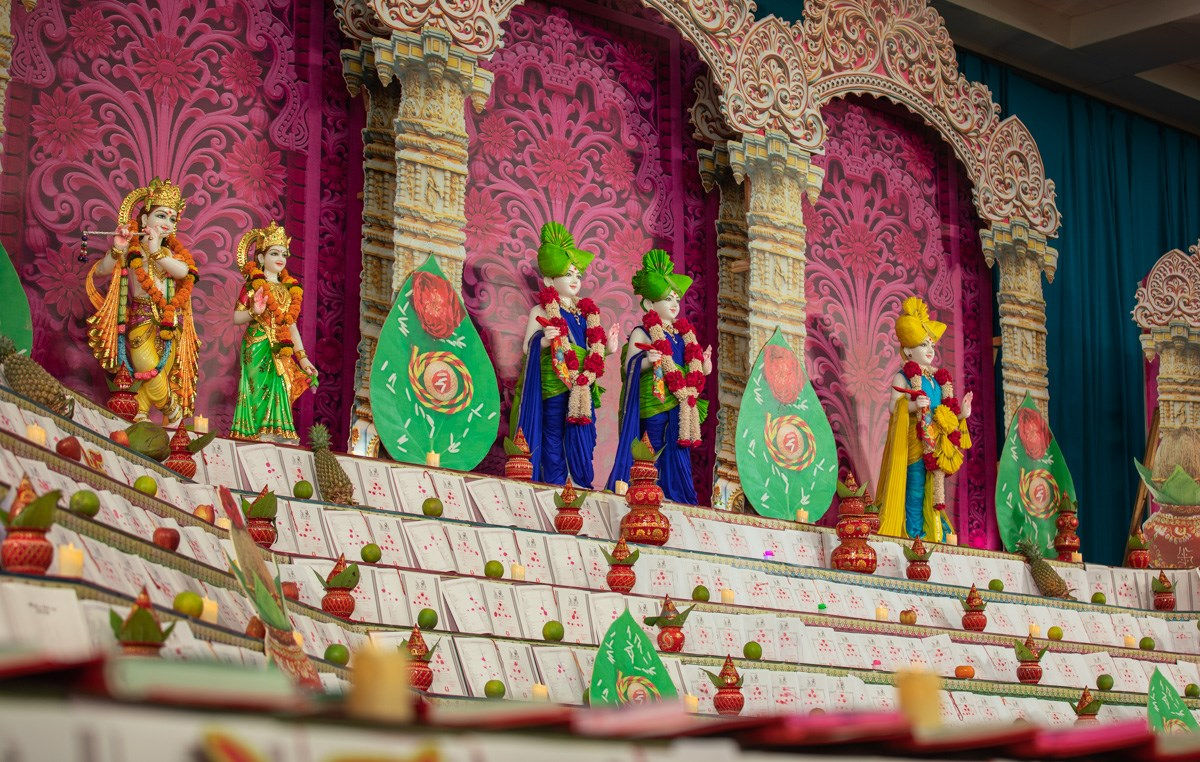 Utsav murtis and account books