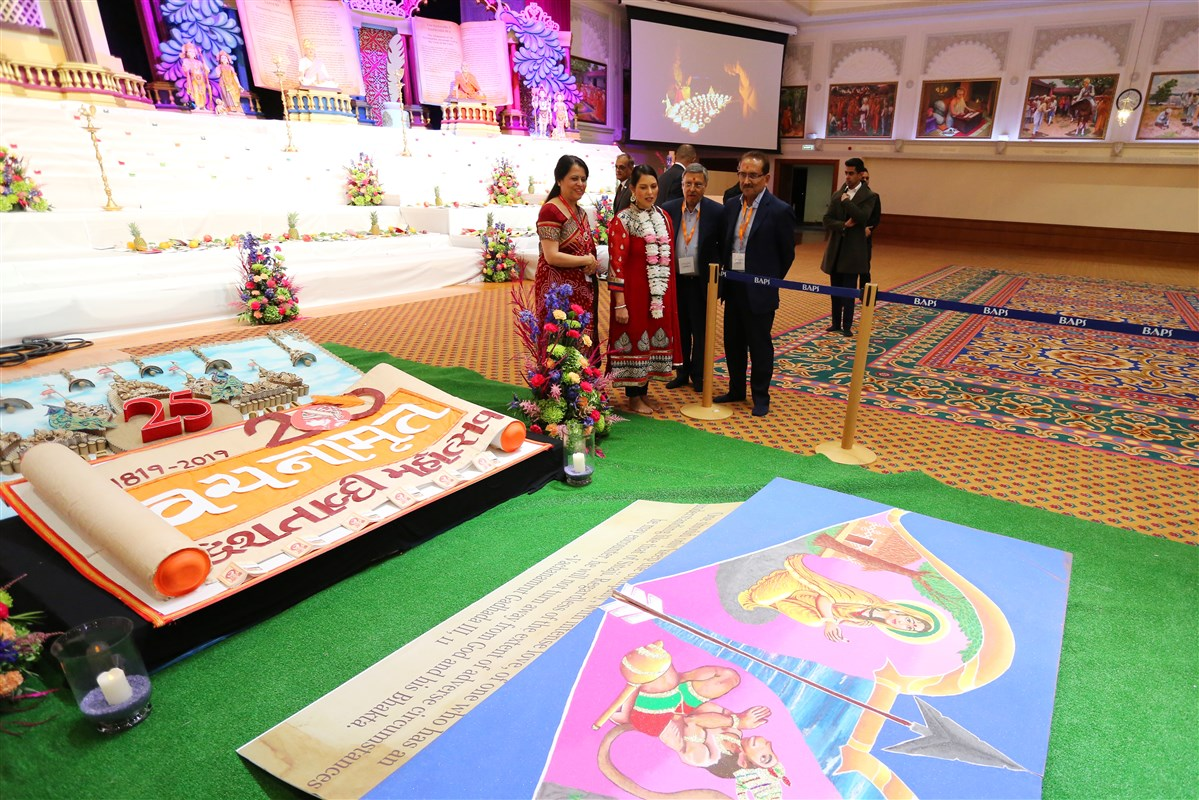 The Home Secretary took time to see the various pieces of devotional artwork for the Diwali and Hindu New Year celebrations