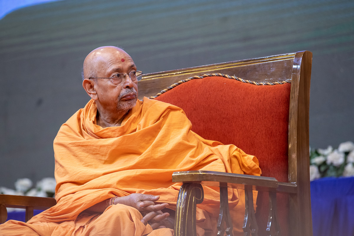 Pujya Tyagvallabh Swami during the assembly