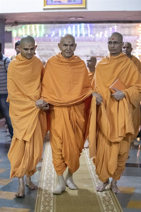 Swamishri after the assembly