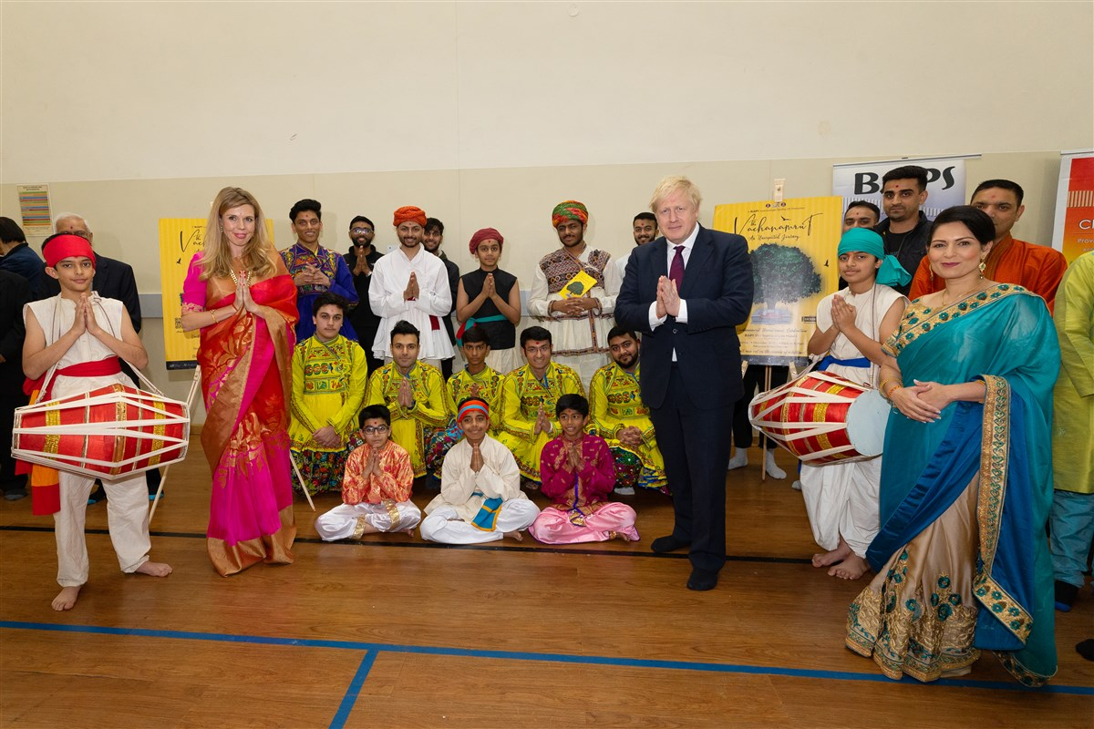 The distinguished guests met with some of the Mandir's talented young stage performers
