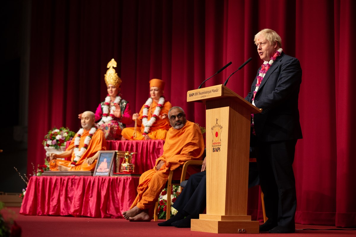 The Prime Minister spoke of the inspiring legacy of Pramukh Swami Maharaj, the value of the Mandir to Great Britain, and the valuable contributions of the British Indian community