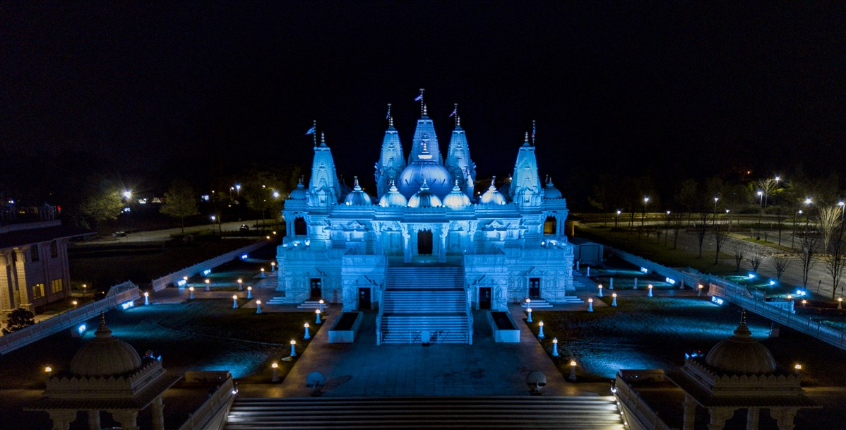 BAPS Shri Swaminarayan Mandir, Atlanta, GA lit up in blue to show support, solidarity in face of COVID-19 pandemic to doctors, nurses, paramedics, public safety officers, and other frontline workers.