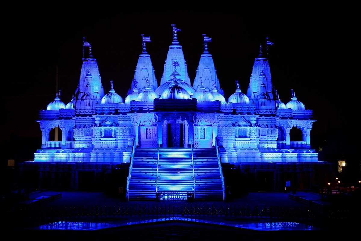 BAPS Shri Swaminarayan Mandir, Los Angeles, CA lit up in blue to show support, solidarity in face of COVID-19 pandemic to doctors, nurses, paramedics, public safety officers, and other frontline workers.