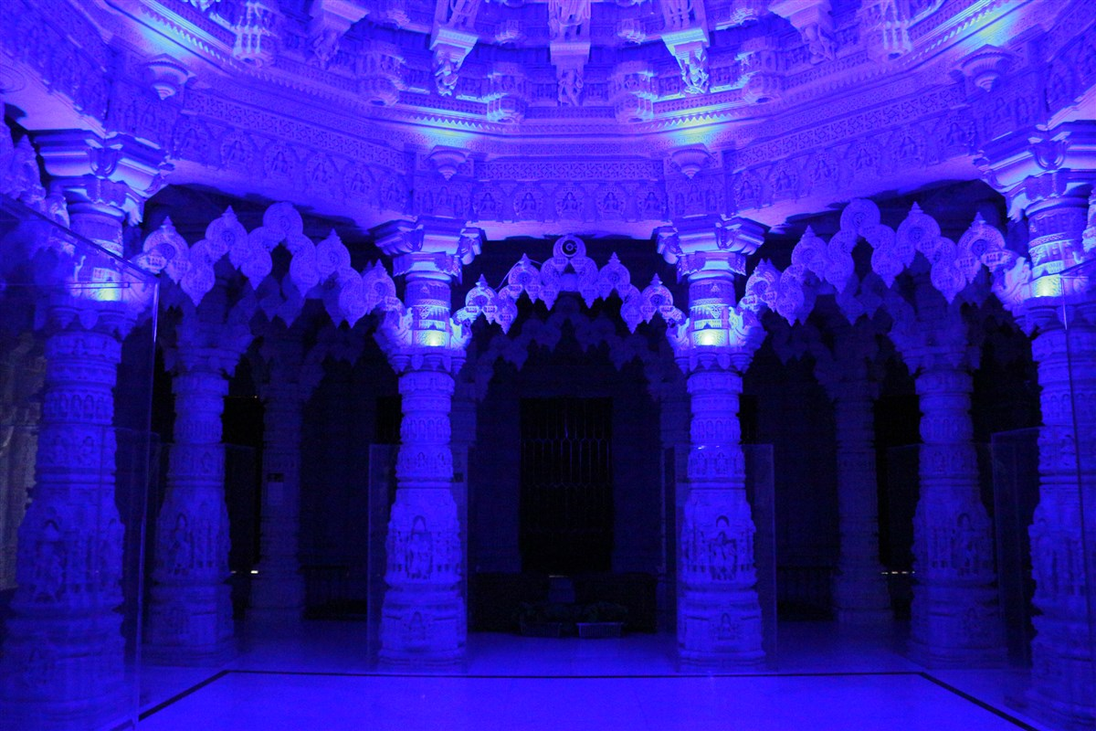 BAPS Shri Swaminarayan Mandir, Toronto, ON  lit up in blue to show support, solidarity in face of COVID-19 pandemic to doctors, nurses, paramedics, public safety officers, and other frontline workers.