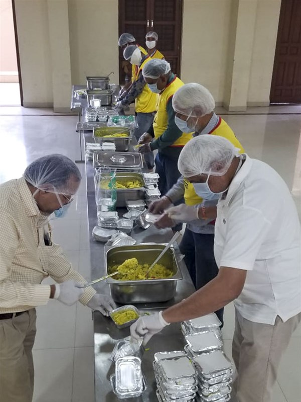 BAPS Community Services During the Coronavirus Lockdown, Indore