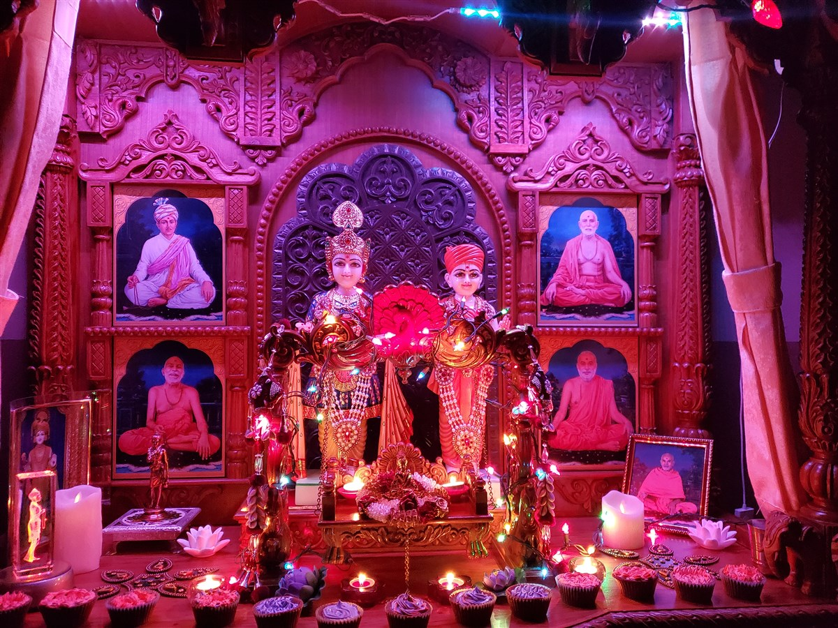 Ghar Mandir Decoration