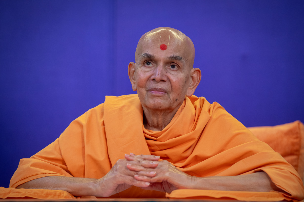 Swamishri during the shibir session