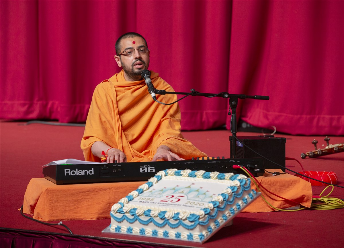 The live performance journeyed through the inspiring history of London Mandir