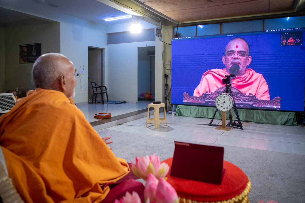 Swamishri during the question-answer session conducted by sadhus at Sarangpur Mandir