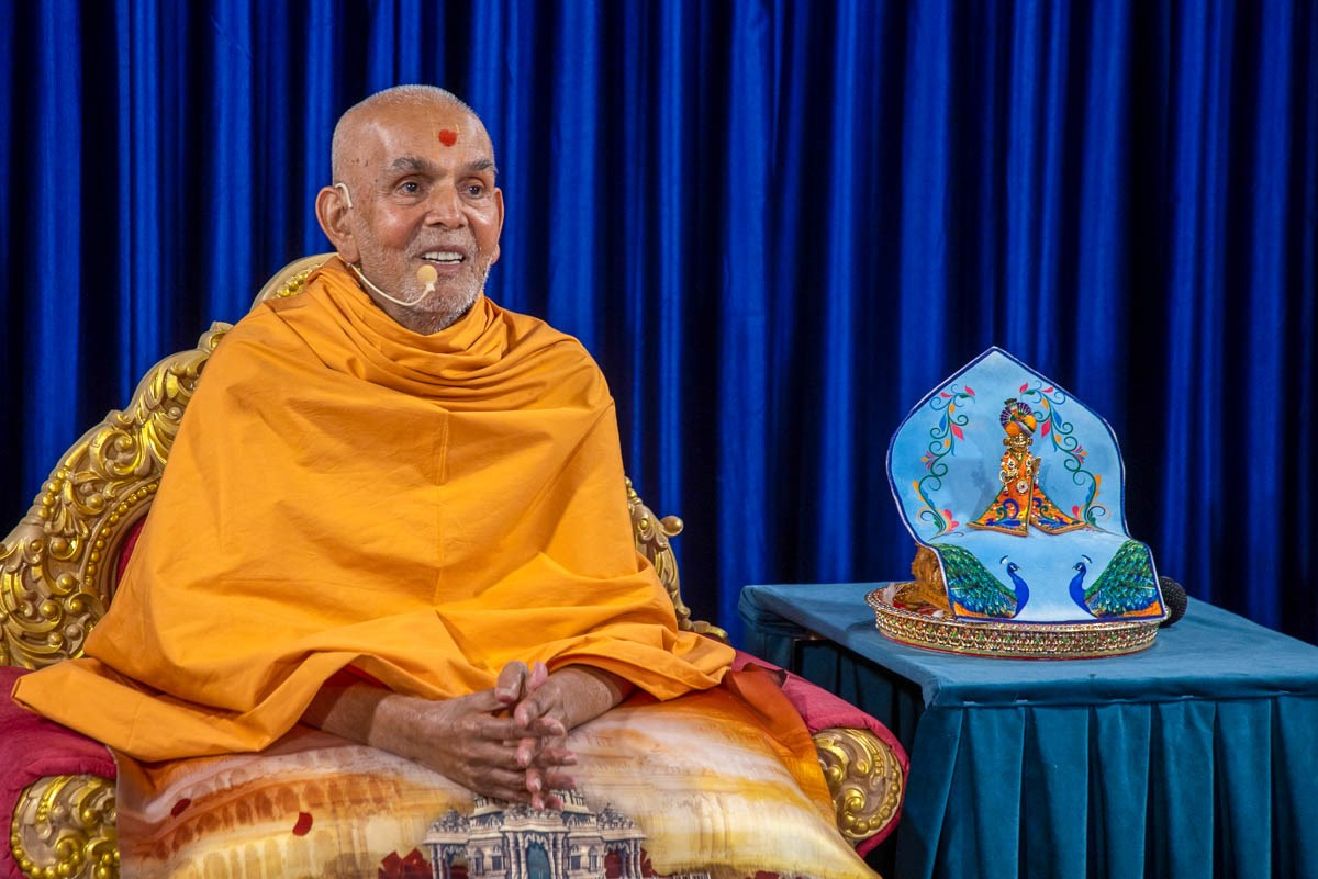 Swamishri recalls his memories